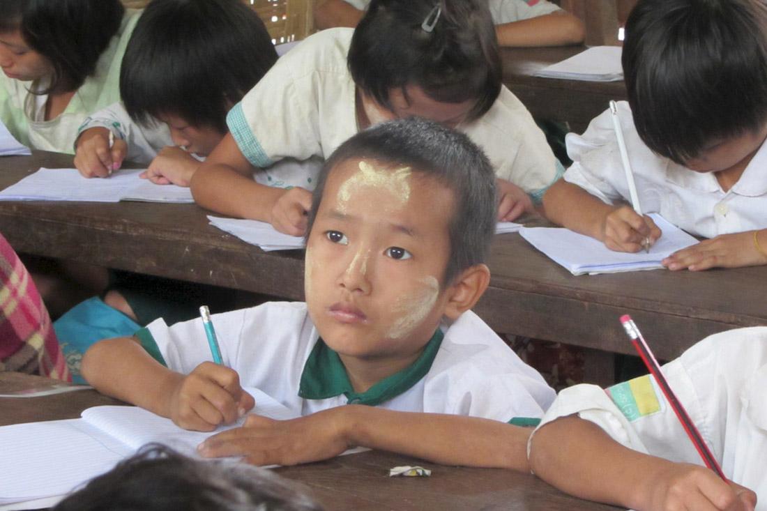 projekte_-_suedostasien_-_myanmar_-_fluechtlingskind