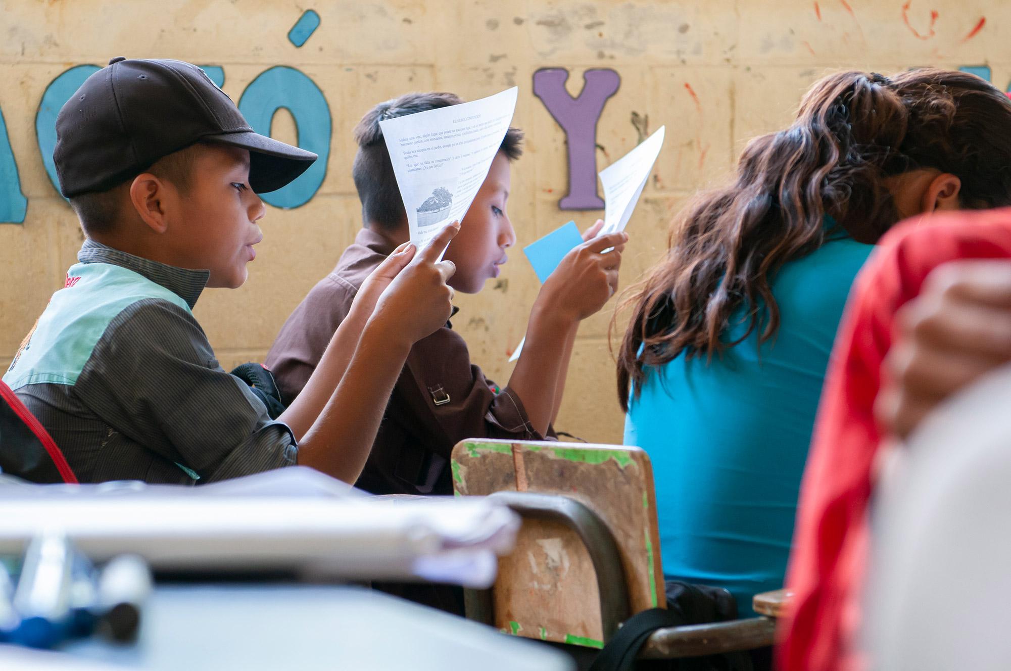 projekte_-_zentralamerika_-_guatemala_-_triad_-_knabe_-_fe_y_alegria