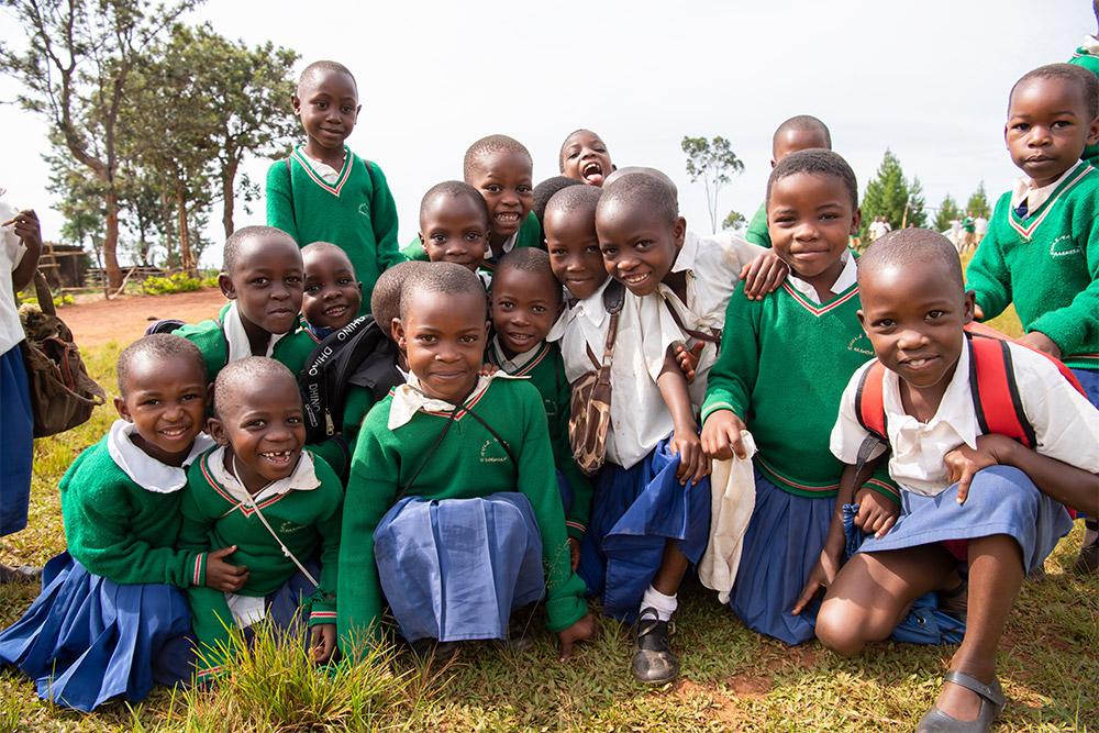schulkinder_in_tansania_-_jahresbericht_2019_-_stiftung_kinderdorf_pestalozzi