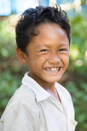 burmesischer_junge_in_clean_and_green_schule_-_jahresbericht_2019_-_stiftung_kinderdorf_pestalozzi