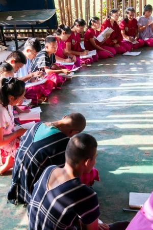 magazin_02-2019_titelgeschichte_tonkla_netzwerk_schulalltag_sanehpong_community_learning_center