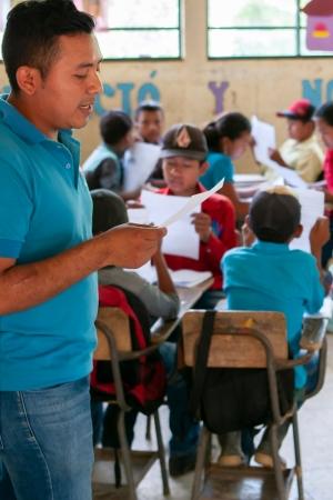 patenschaftsbericht_zentralamerika_-_guatemala_-_lesen_im_unterricht_-_stiftung_kinderdorf_pestalozzi_-_pestalozzi_childrens_foundation
