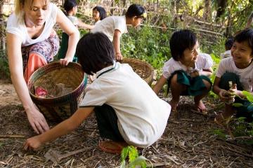 abfall-sammeln-gruene-schulen-myanmar-burma-stiftung-kinderdorf-pestalozzi