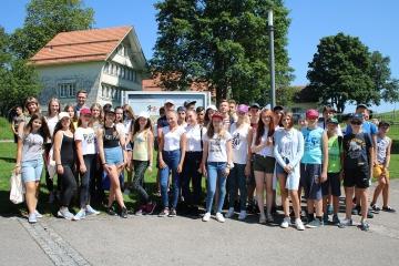 gruppenbild_botschafter-und-belaruskinder