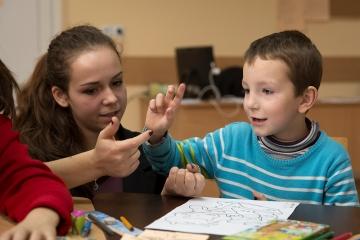 schuleingliederung-benachteiligter-kinder_moldawien_kinderdorf-pestalozzi