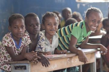 stiftungkinderdorfpestalozzi_unterricht_ethnischeminderheiten_02