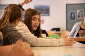 jugendliche_im_unterricht-themenprojekttag-stiftung_kinderdorf_pestalozzi