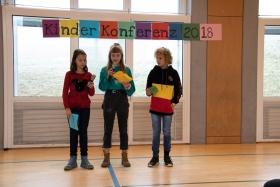 kinder_praesentieren_die_forderungen_der_kinderkonferenz_2018_stiftung_kinderdorf_pestalozzi