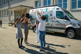 radiobus-ist-wieder-auf-tour_stiftung-kinderdorf-pestalozzi