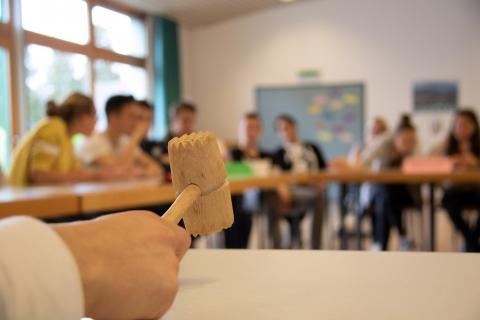 jugendliche_im_unterricht-konferenz-themenprojekttag-stiftung_kinderdorf_pestalozzi